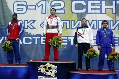 Slika 25. Nenad Žugaj s osvojenom brončanom medaljom na seniorskom Prvenstvu svijeta u Moskvi 2010. godine.