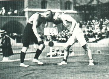 Slika 18. Asikainen (lijevo) i Klein (desno) na OI u Stockholmu 1912. godine.